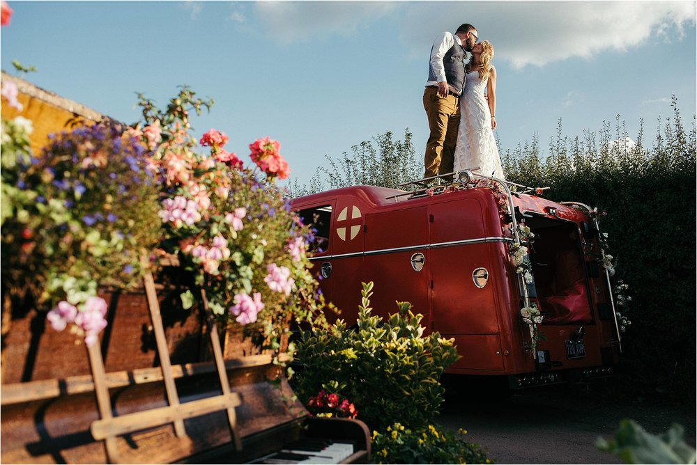 The Crooked Billet Pub Oxfordshire Wedding Photography_0074.jpg