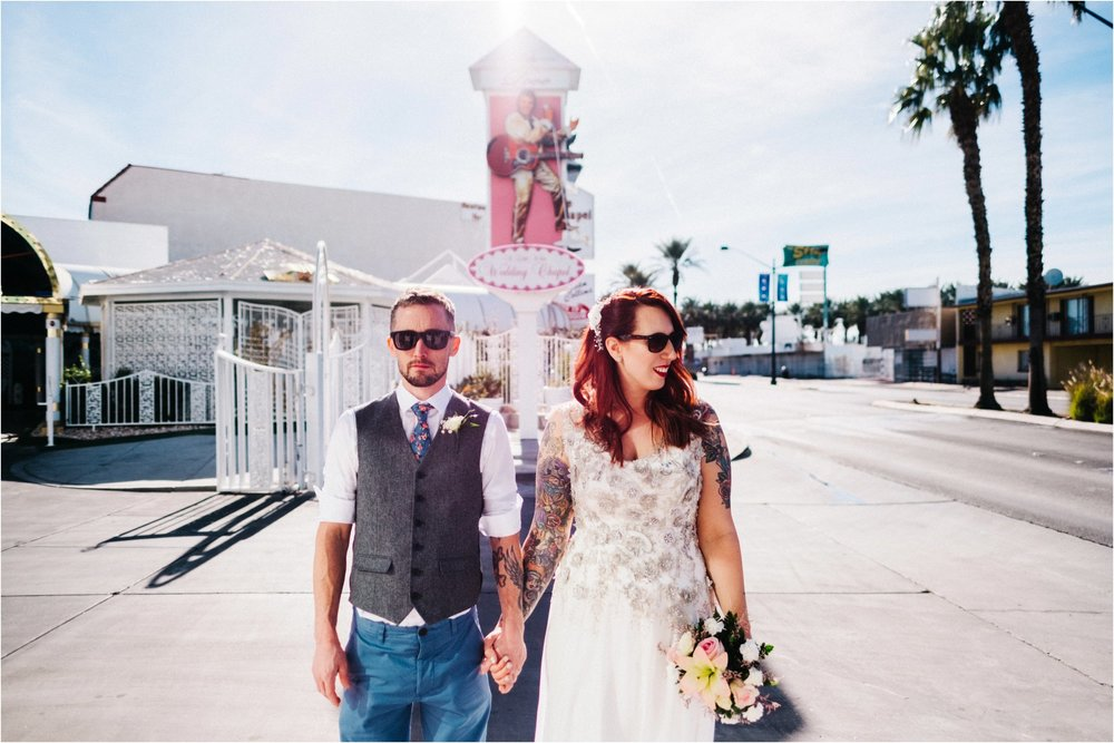 Vegas elopement destination wedding photographer_0101.jpg