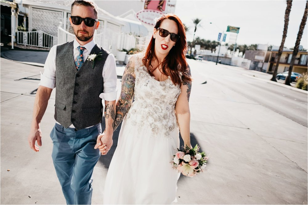 Vegas elopement destination wedding photographer_0103.jpg