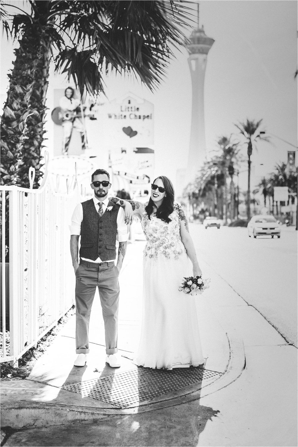 Vegas elopement destination wedding photographer_0104.jpg