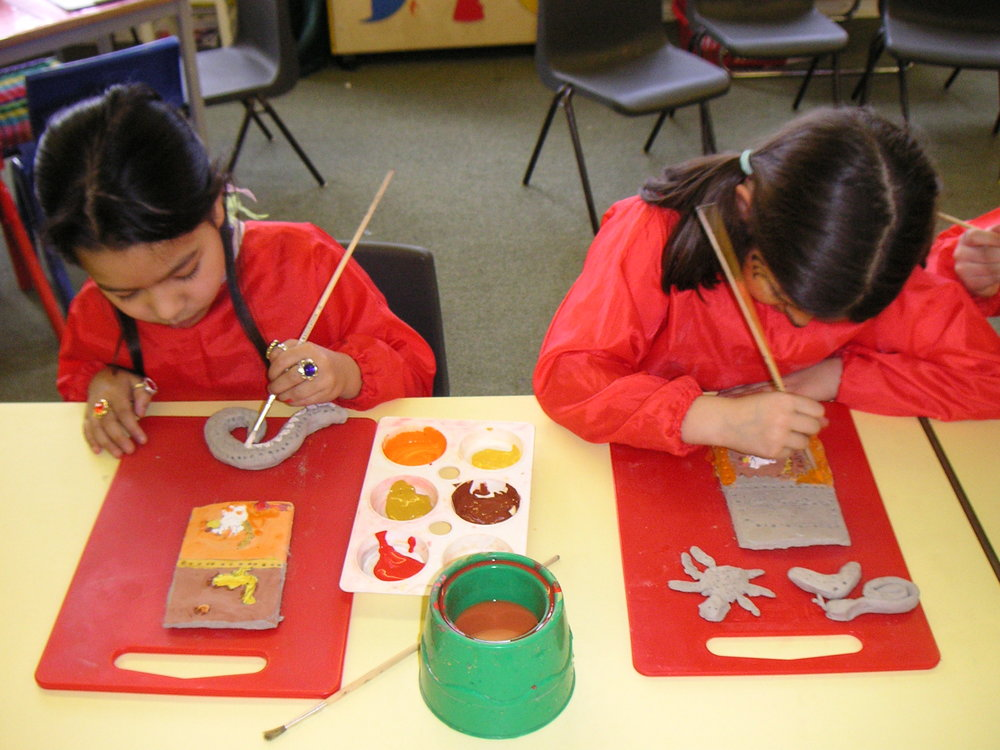 ABORIGINAL CLAY PLAQUES PAINTING THU 004.jpg
