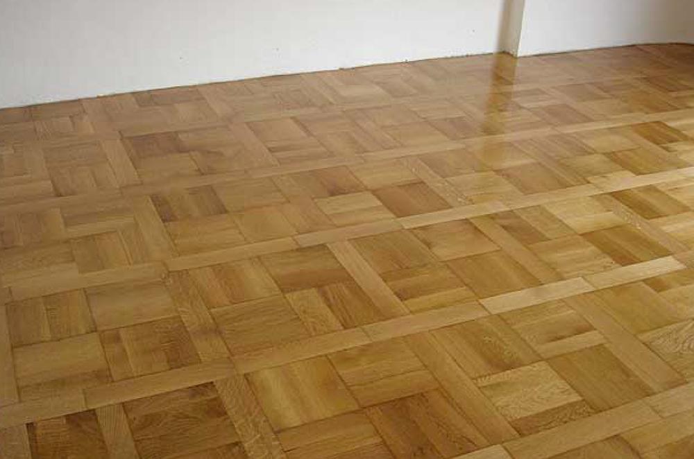 Pavimento finito in legno laccato