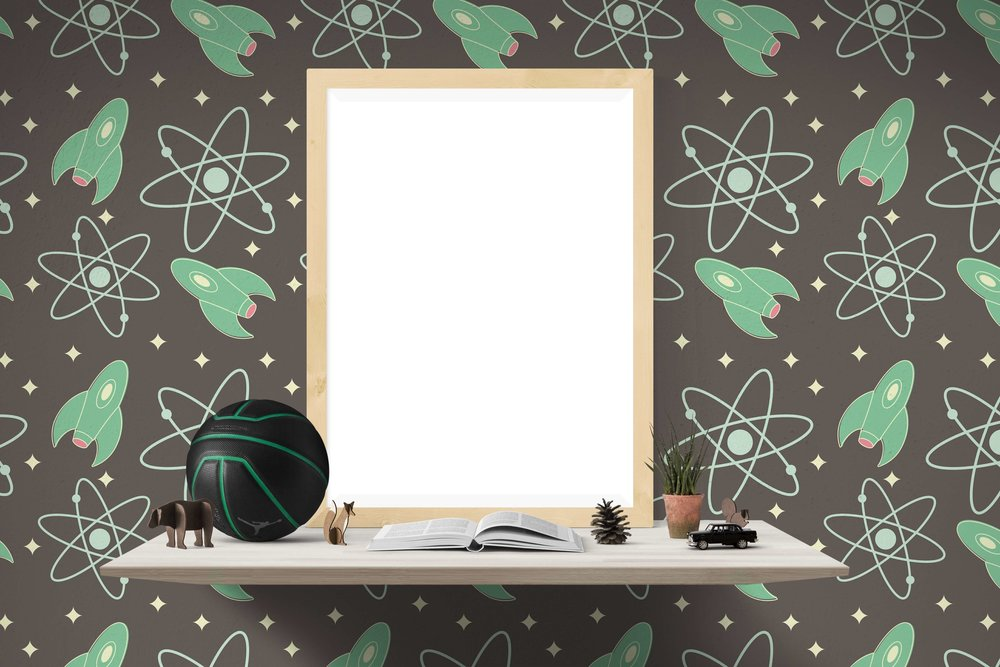 Noisy wallpaper hides the content of shelf