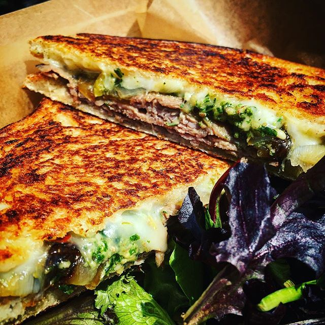 "Our feature for the day ""The Bull"": Italian roast beef with caramelized onion, banana pepper, basil pesto, and pepper jack cheese.  Over at Central Plaza till 2pm 1850 N Central Ave, Phoenix, AZ  85004  #foodtruck #italianfood #pressitalian #Italian #smallbiz #foodtrucklife #eatlocal  #gourmet #panini #nomnomnom #foodie #flavor #fresh"