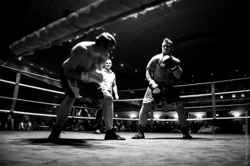 After about 4 knock downs, Martin's opponent fell hard on the fifth but the Ref intervened and called the fight and quite clearly in Kohala's favour. A relatively easy claim on the BBU Heavyweight title belt.