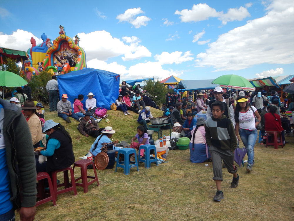 People enjoying the day during Inti Raymi.