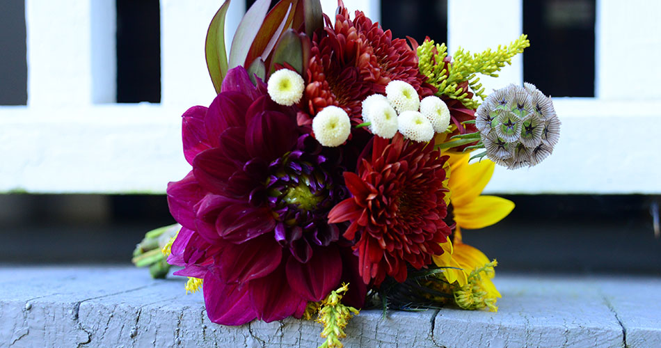 fall-wedding-mother-bouquet-950x500.jpg