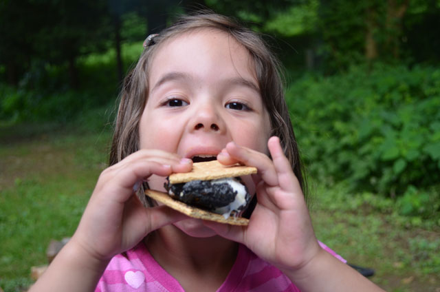 Kids-Camping_smores-3.jpg