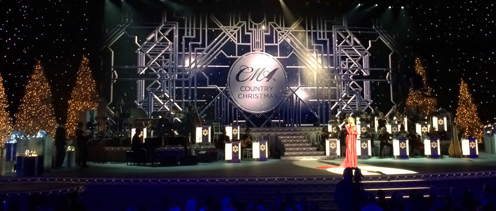 2015 CMA Country Christmas - Screens Producer