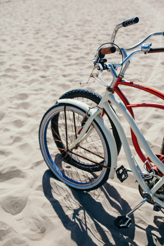santa monica pier boardwalk beach cruiser