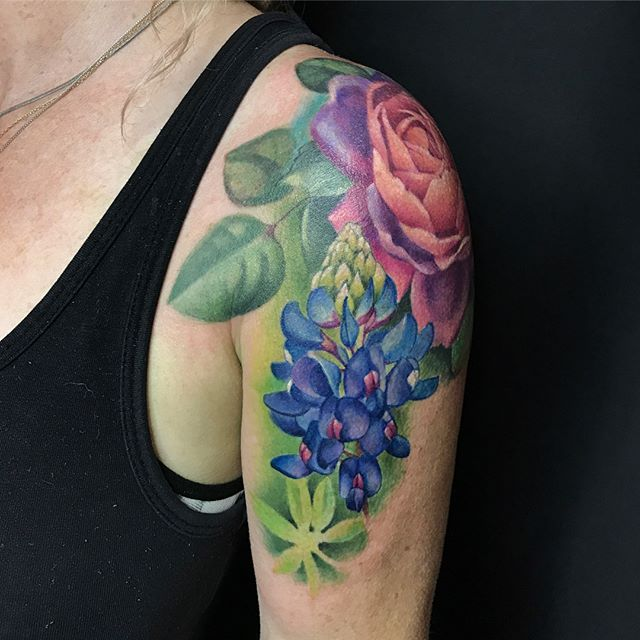 Beautiful floral sleeve in the works by @nakota13 🌹 Please email Nakotaart@gmail.com for inquiries 🌹 #tattoo #nakotagarza #art #tattooartist #botanicaltattoo #rosetattoo #bluebell #floraltattoo #vaticanstudios #bishoprotary #inkeeze #worldofartists #losangeles #orangecountytattoo #skinart_mag #skinandink #colortattoo #love #pretty #mua