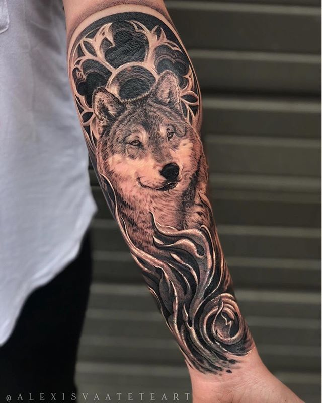 •Power of the Mother Wolf• Done by Alexis Vaatete in honor of a mother's love for her child. 💯 @alexisvaateteart . . This is a coverup of an unwanted tattoo.  Machine by: @bishoprotary.  Ink: @eternalink & @nocturnaltattooink. . . . For inquiries, please email: alexisvaateteart@gmail.com  #alexisvaatete #vaticanstudios #eternalink #bishoprotary #sullenclothing #wolf #wolves #wolftattoo #forearmtattoo #tattoo #tattoos #tattooed #girlswithink #girlswithtattoos #blackandgrey #blackandgreytattoo #ink #inked #tattooartist #inkedgirls #orangecounty #lakeforest #losangeles #coverup #coveruptattoo