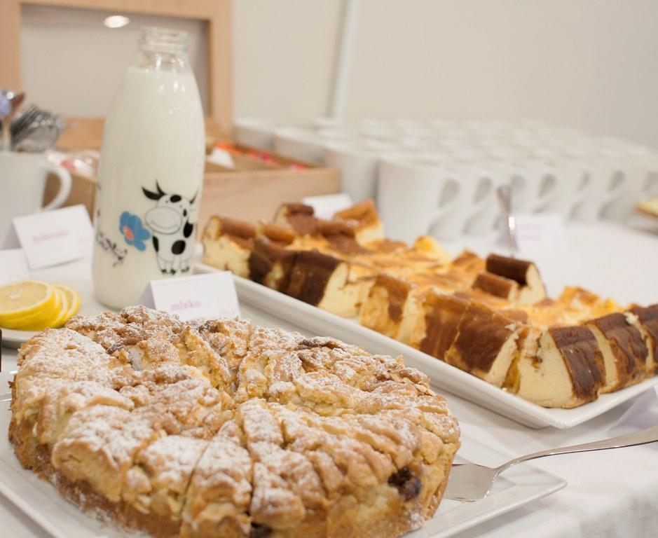 w trakcie spotkania mogłyśmy częstować się kawką, herbatką, pysznymi ciastami oraz...
