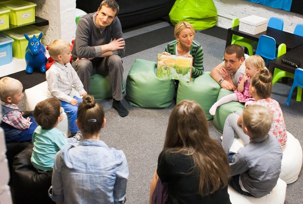 a na zajęciach 'okruszków' dzieci poznają kolejne historie biblijne...