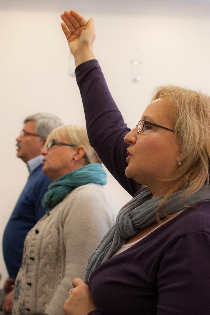 i głosom uwielbienia wypływających prosto z naszych serc na Chwałę Panu.
