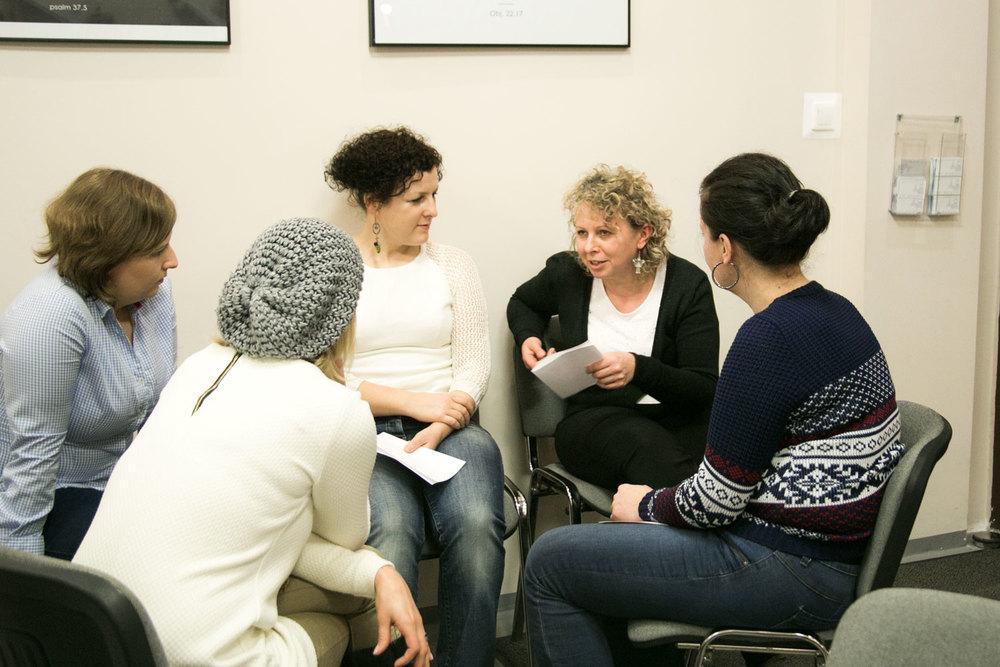 w grupach opowiadałyśmy sobie niestworzone historie :)