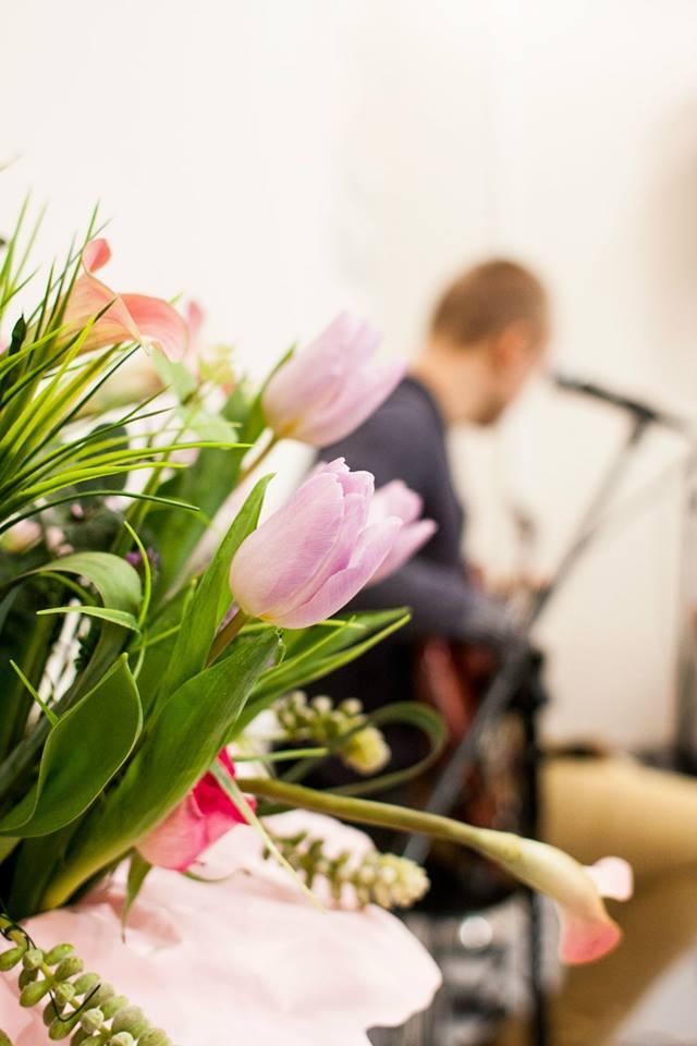 kwiaty postawione :)a to wszystko dla Boga