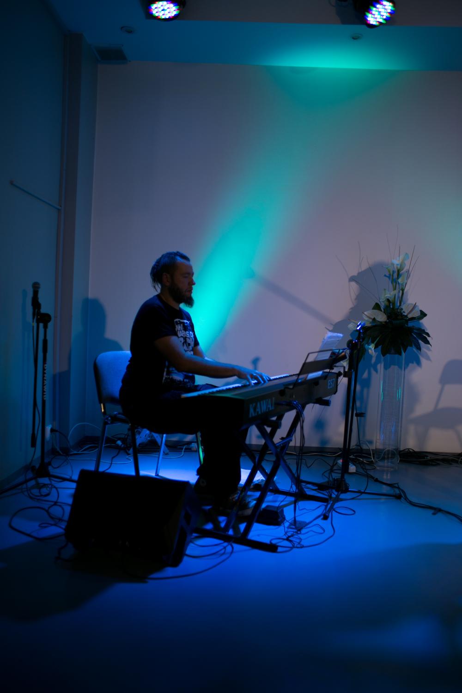 pianino oblegane jest przez mistrza paweł bzim zarecki