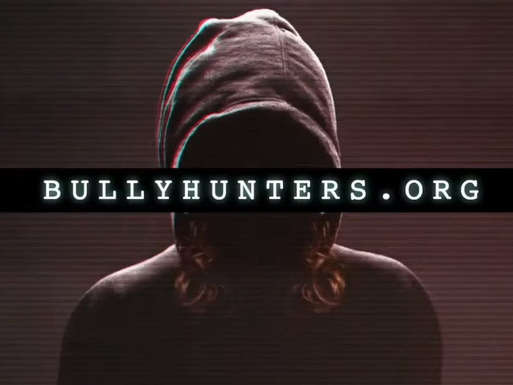 Bully Hunters - This week we rip apart the presentation of the short lived website, Bully Hunters, but also inspire gamers to be better gamers.