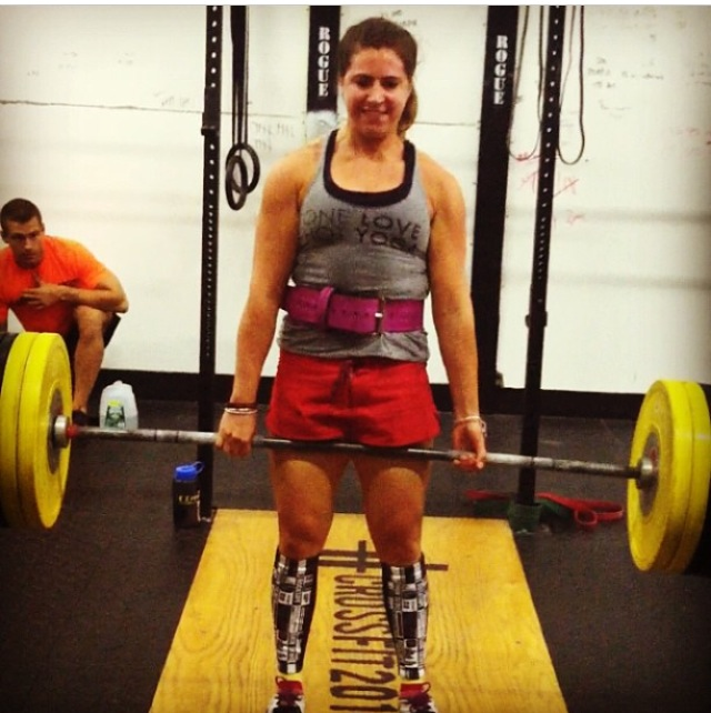 Kate Deadlifting