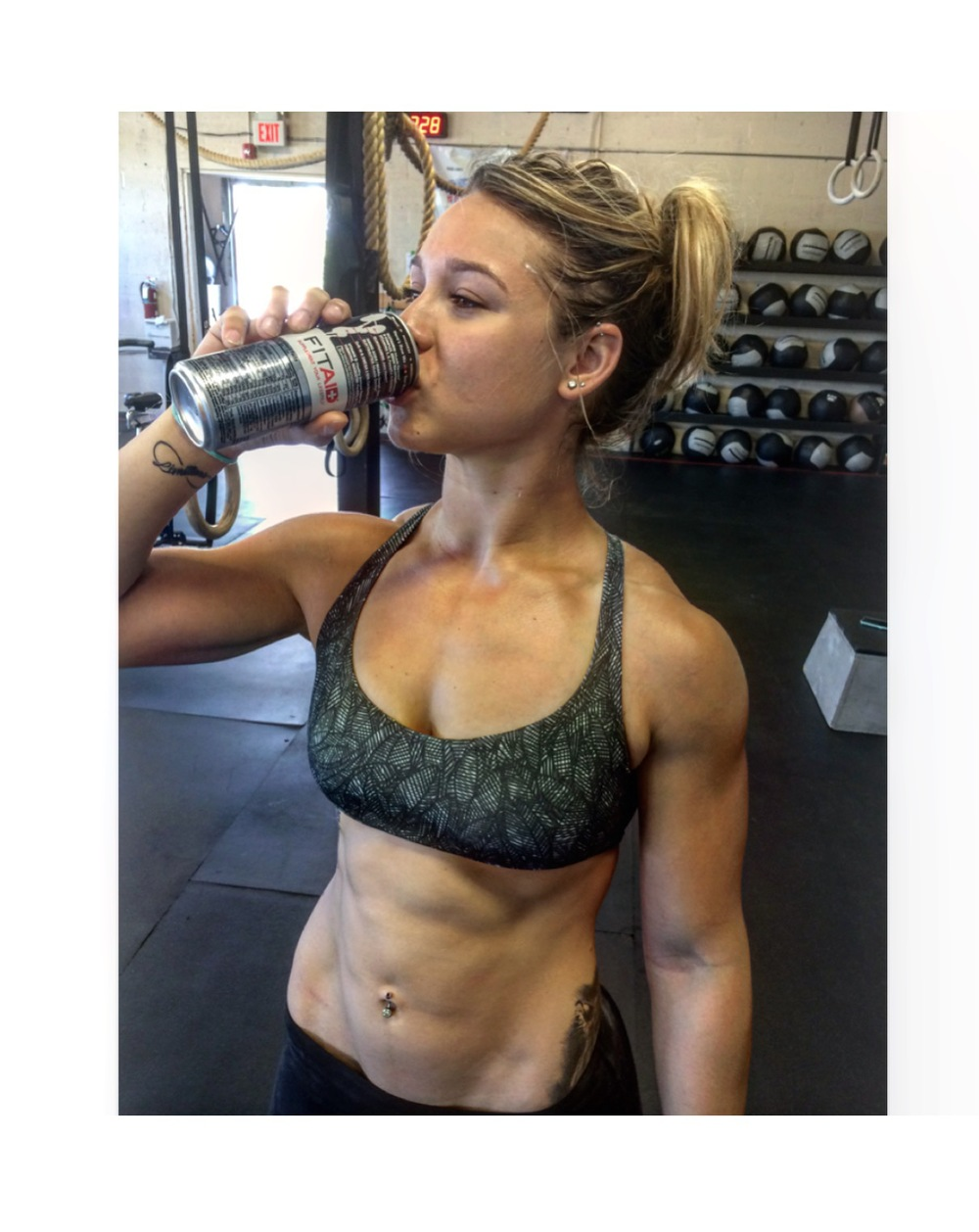 @jaclyn_demiro with a post WOD FITAID