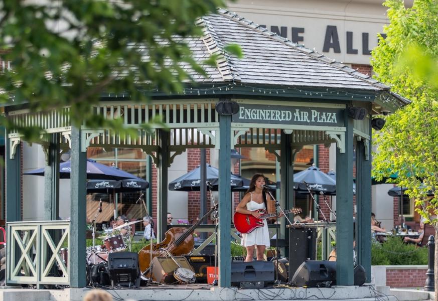 Music in the plaza.jpg