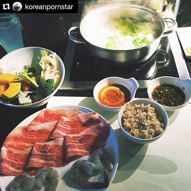 It's a great day for #shabushabu ! Check out that hot sauce swirl. #yum #repost @koreanpornstar #kingshabushabu #cerritos #japanese #foodporn #healthy #healthyfood #vegetables