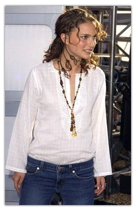 Actor Natalie Portman Wearing the Grace Necklace @ MTV Movie Awards