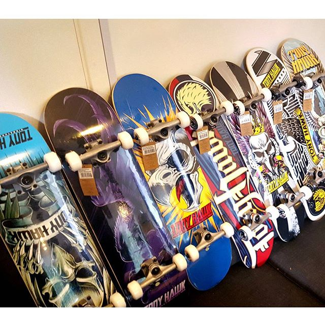 New skateboards soon to be on sale at our events and upcoming online store!!! #skateboards #tonyhawk #renner #skateboarding