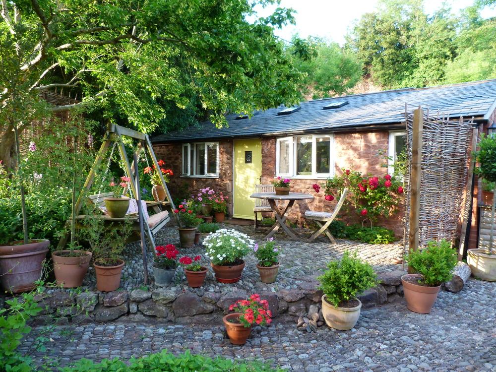 Private guest garden area