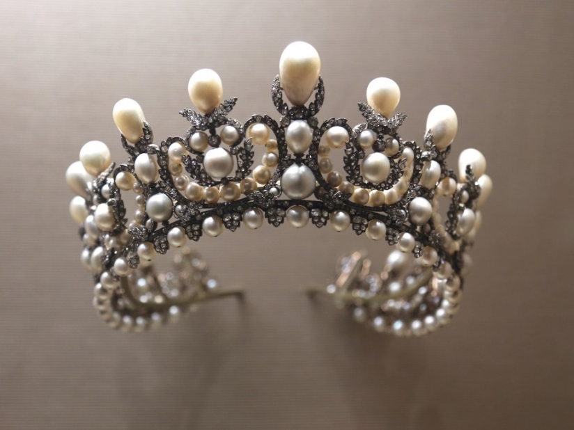 Empress-Eugenies-Diadem-courtesy-Casey-Hatfield-Chiotti-1024x693.jpg