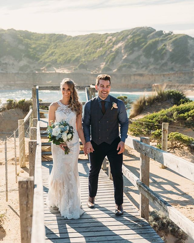 Sending Emily and Josh's photos today! 💕  Then off to the Philippines for a little while soon 😊 can't wait to get a little warmer again.  #weding #bayofislands #weddingphotographer #morningtonpeninsulawedding #sorrentoweddingphotographer #lostinlove #toastcommunity #lovers #weddingdress #groom #groomstyle