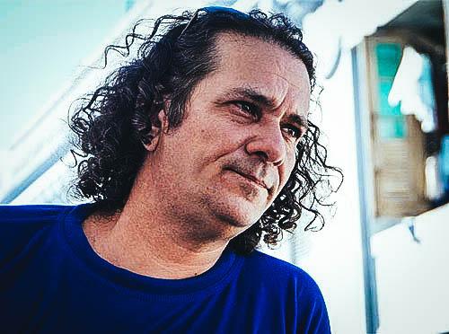 Arístides Vega Chapú, poeta y novelista cubano.
