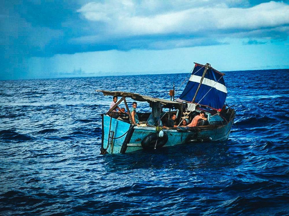 Balseros cubanos en el Estrecho de la Florida. Foto de internet