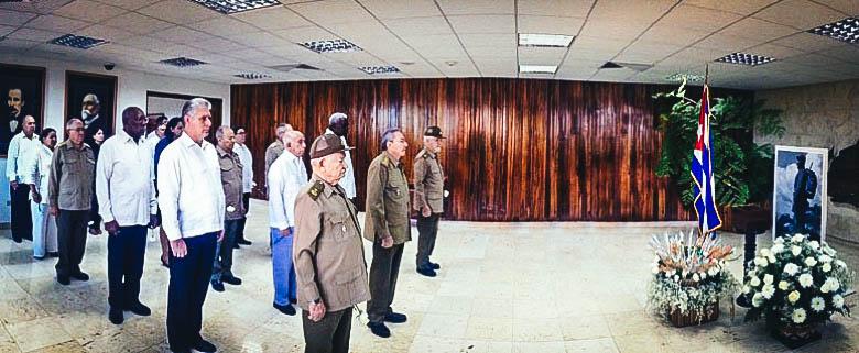 La elite del régimen frente a las cenizas de Fidel Castro. (GRANMA)