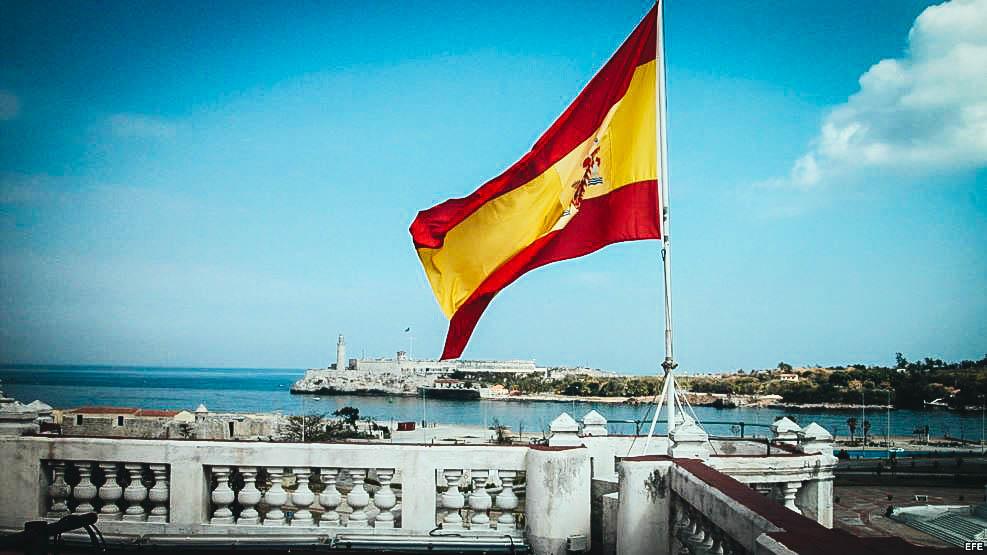 El Castillo de El Morro visto desde la embajada de España en Cuba.
