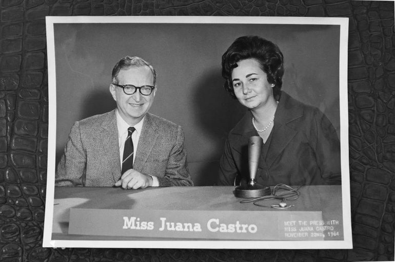 En 1964, en la ciudad de Nueva York durante el programa Meet the Press de NBC, entrevistada por Mr. Spivack.(CORTESÍA/ÁLVARO MATA)
