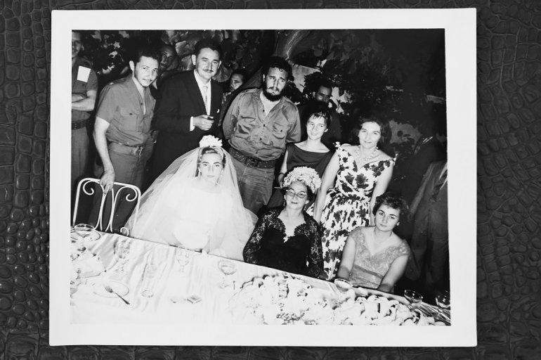 De izq. a der. Raúl, Agustina, Ramón, Fidel, Angelita, Emma, Lina Ruz (madre) y Juanita Castro Ruz.(CORTESÍA/ÁLVARO MATA)