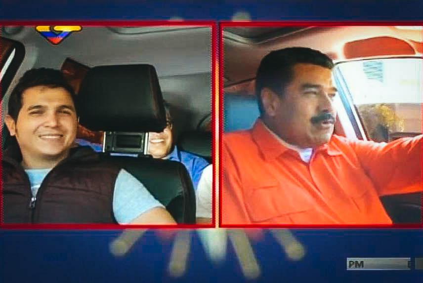 El presidente venezolano Nicolás Maduro junto a los integrantes del dúo cubano Buena Fe.Captura de pantalla Read more here: http://www.elnuevoherald.com/noticias/mundo/america-latina/cuba-es/article120455918.html#storylink=cpy
