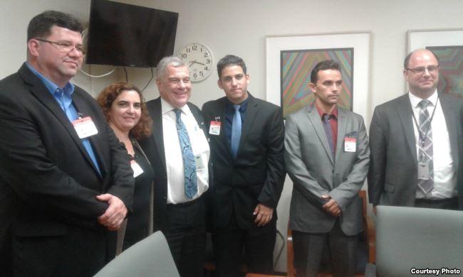 Miembros de Instituto Patmos en la Oficina Internacional de Asuntos Religiosos del Departamento de Estado de EEUU