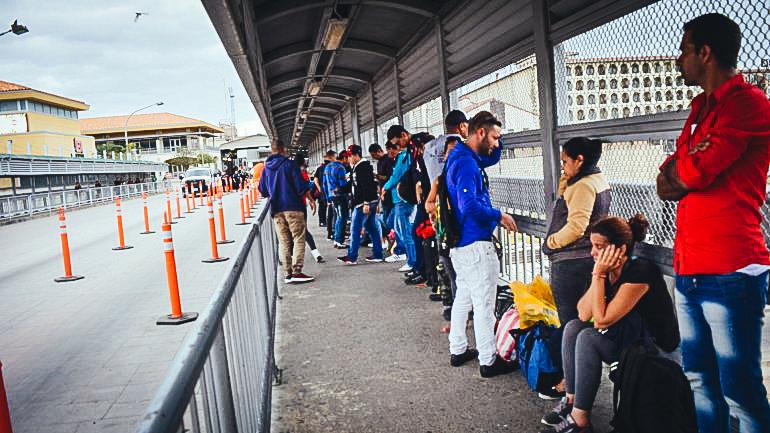 Un grupo de cubanos varados en México, espera una solución a su situación migratoria. PRENSA DIGITAL