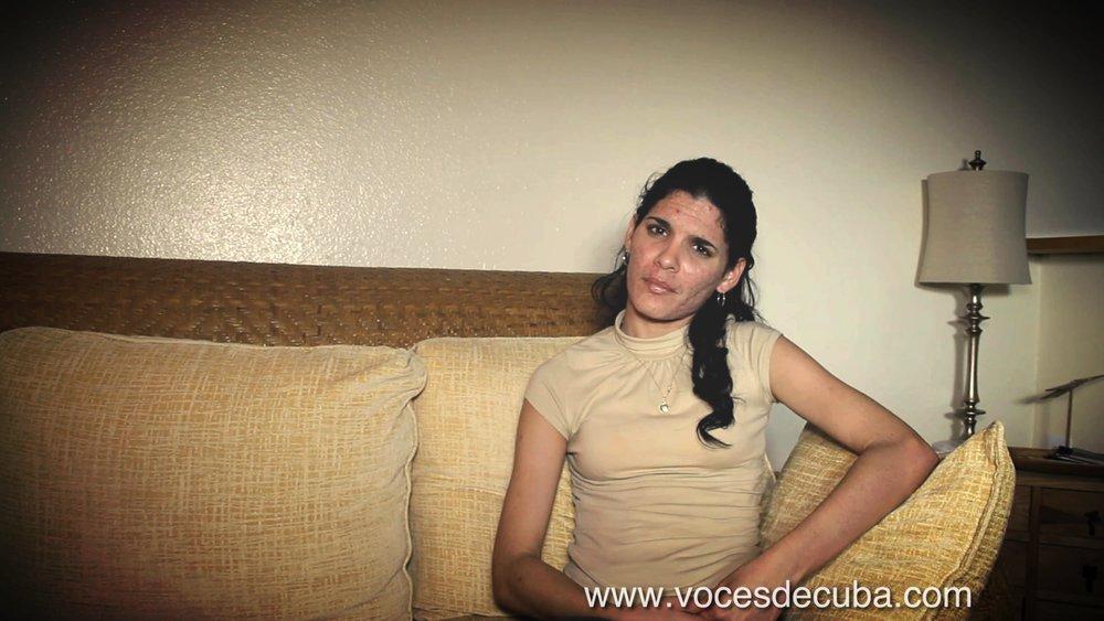 """Sayli Navarro durante el rodaje de la entrevista con """"Voces de Cuba"""""""