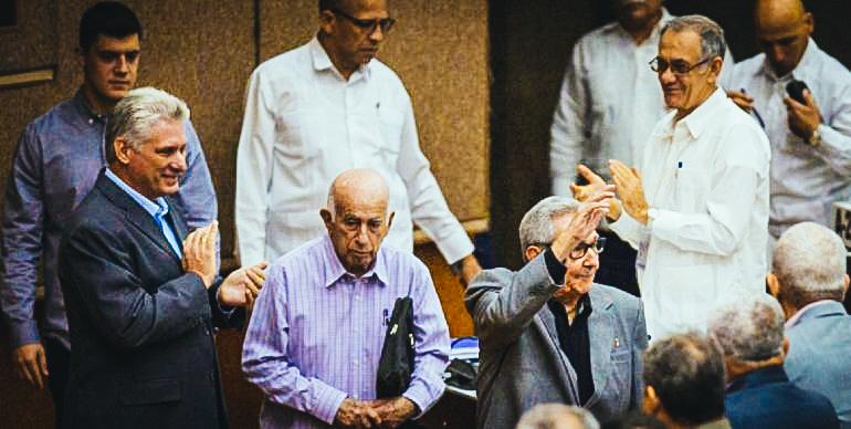 Miguel Díaz-Canel, José Ramón Machado Ventura y Raúl Castro en la Asamblea Nacional. (CUBADEBATE)DIARIO DE CUBA / (CUBADEBATE)