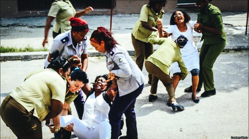 Represión contra Damas de Blanco