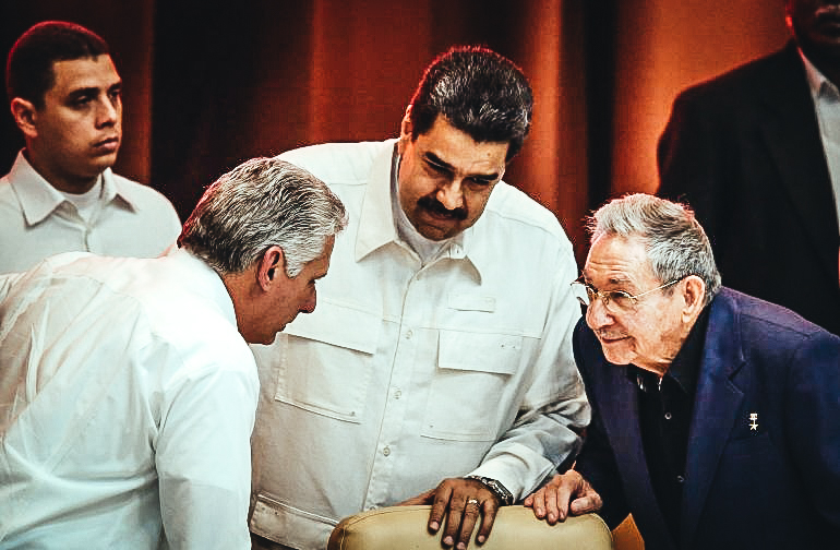 Los dictadores de Cuba y Venezzuela; Diaz Canel, Maduro y Raúl Castro