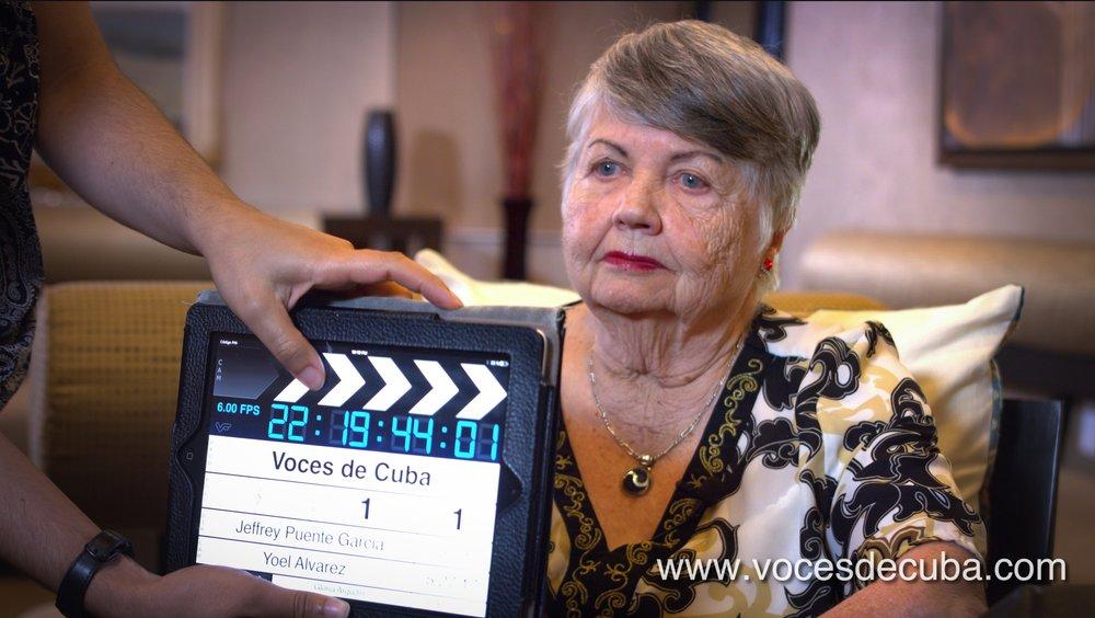 Gloria Argudín durante el rodaje de la entrevista con Voces de Cuba