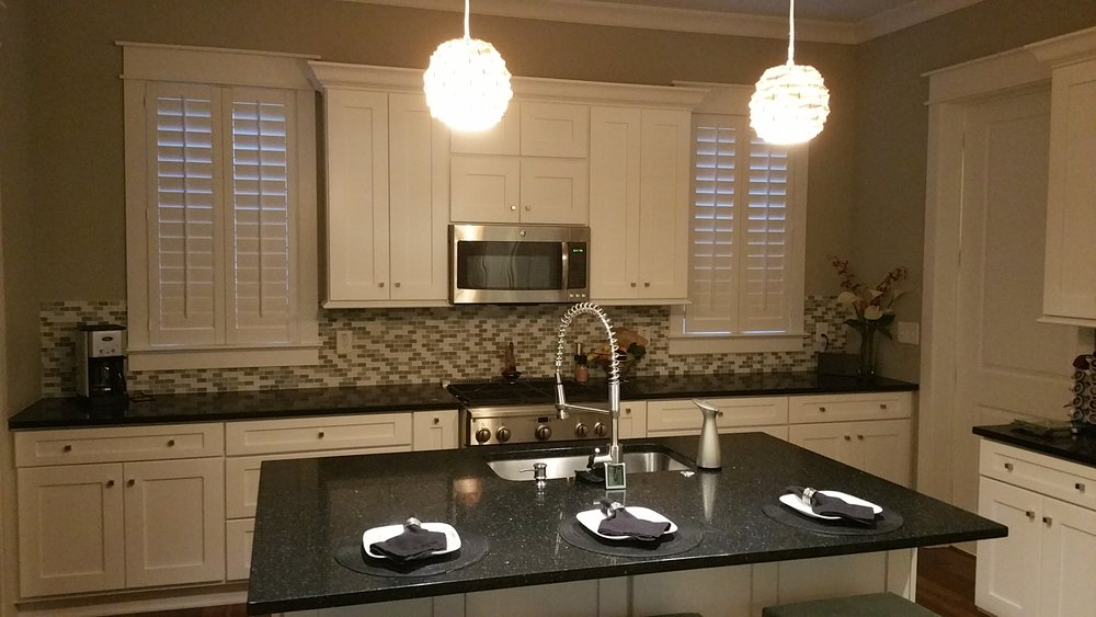Fern's Kitchen (wide picture).jpg