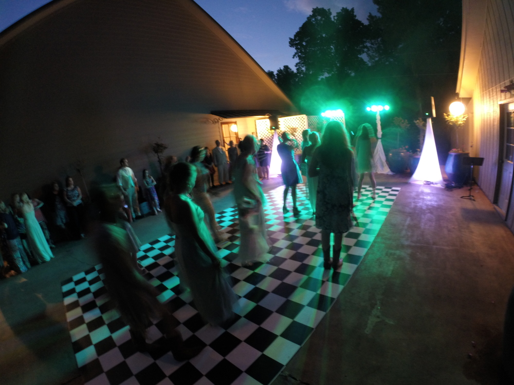 Our Diamond Productions DJ put on a great reception at Mellonwoods, in Mendenhall, MS.