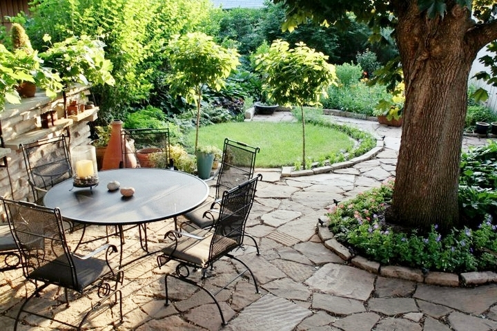 Click to view more    patios & eating areas    VIEW DESIGNS