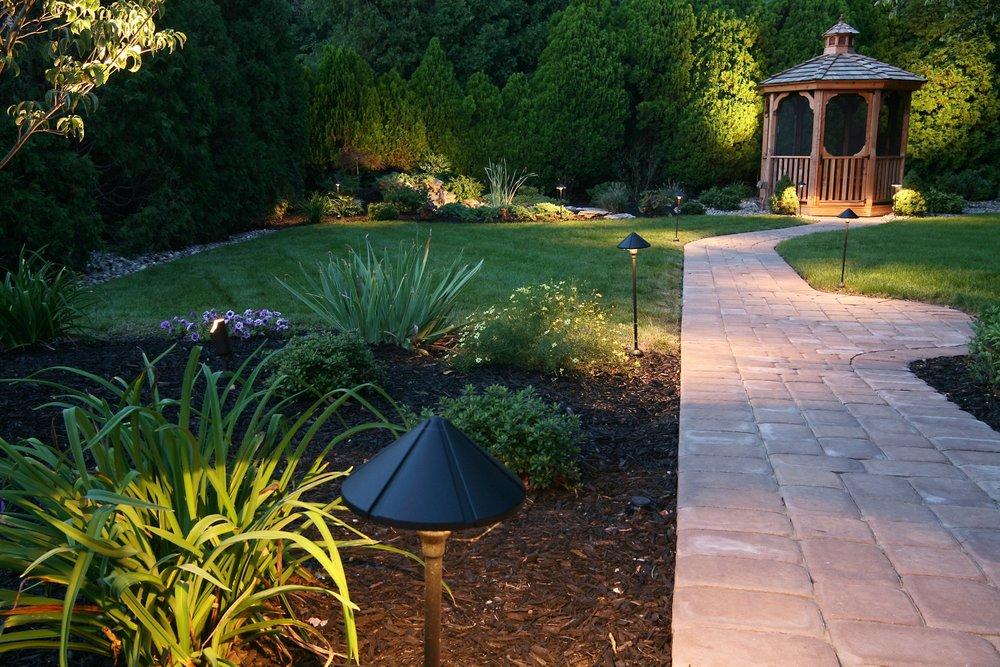 best-landscaper-london-ontario-garden-paving-stone-2.jpg